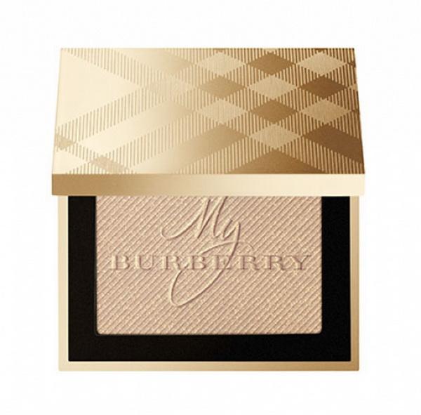 Сияние золота: рождественская коллекция макияжа от Burberry