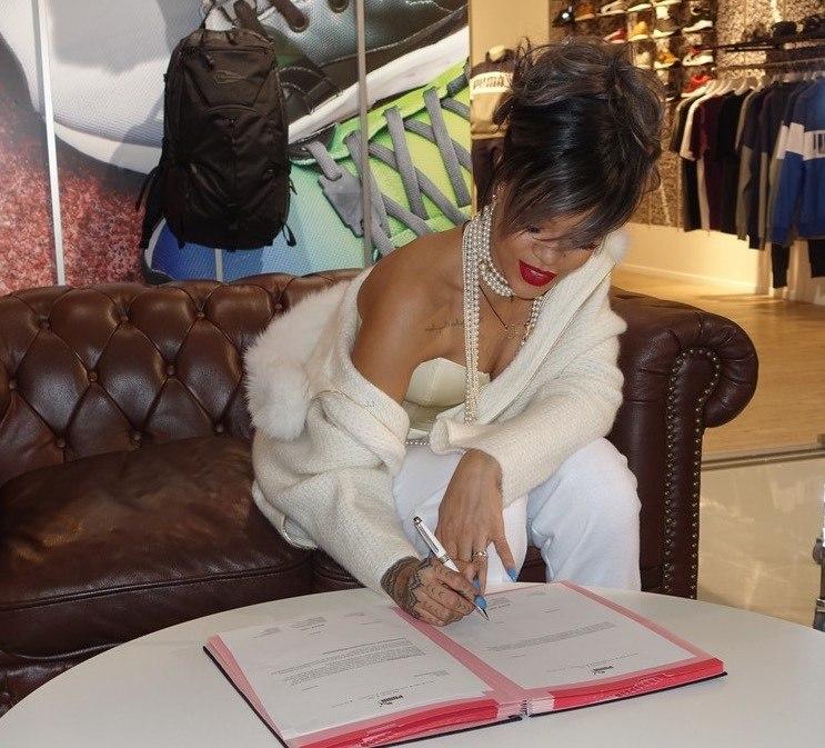 На шаг выше: Рианна стала креативным дизайнером Puma