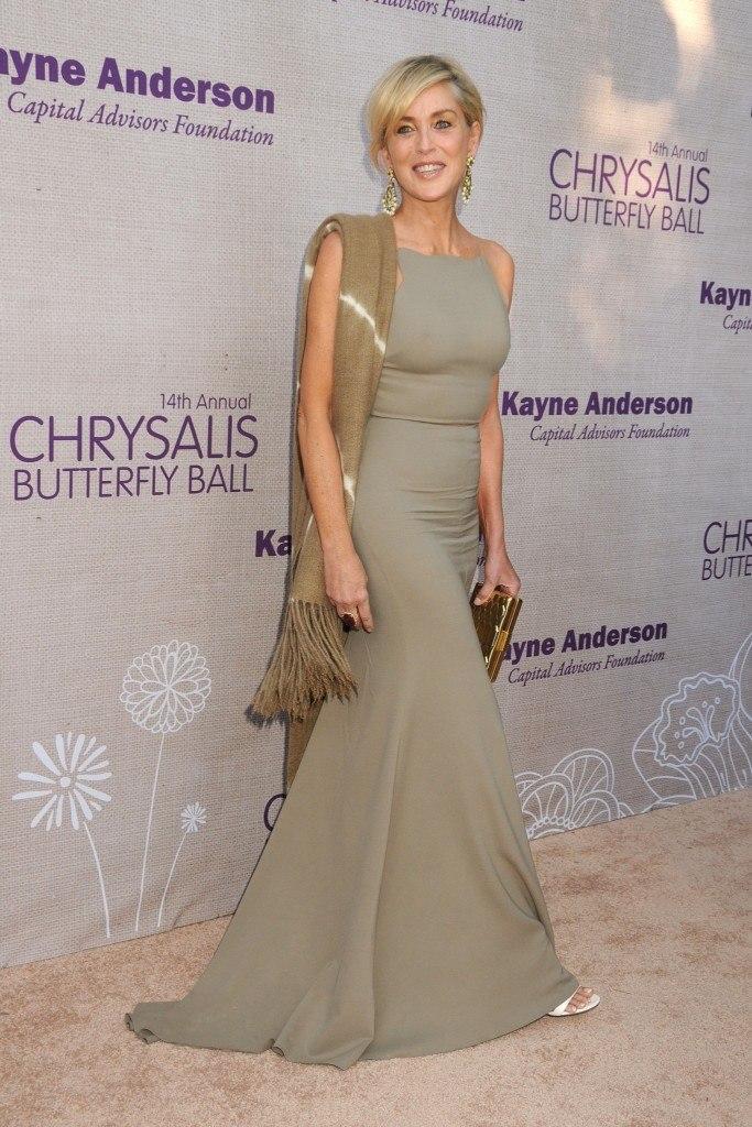 Обворожительная Шэрон Стоун удивила сексуальным нарядом и стильным beauty-образом