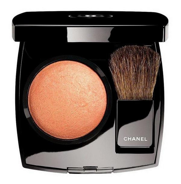Рождество в стиле Chanel: новая коллекция макияжа