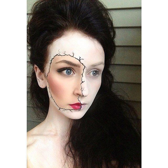 Не склеить разбитое: идея для самого простого варианта макияжа на Хэллоуин!