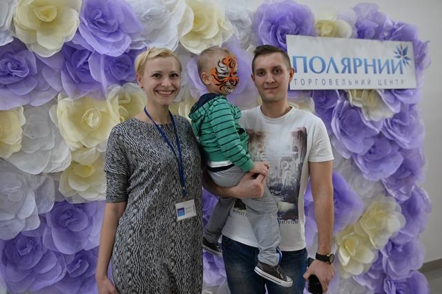"""Фотоотчет: 8 марта в ТЦ """"Полярный"""" состоялся настоящий женский праздник"""
