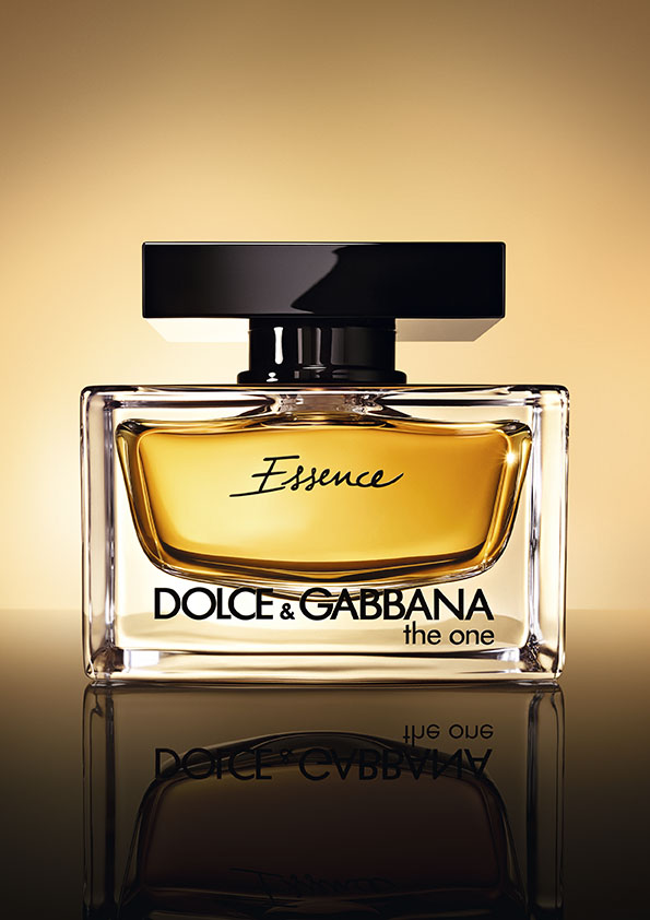 Уже в продаже: ароматы The One Essence и The One for Men от Dolce and Gabbana