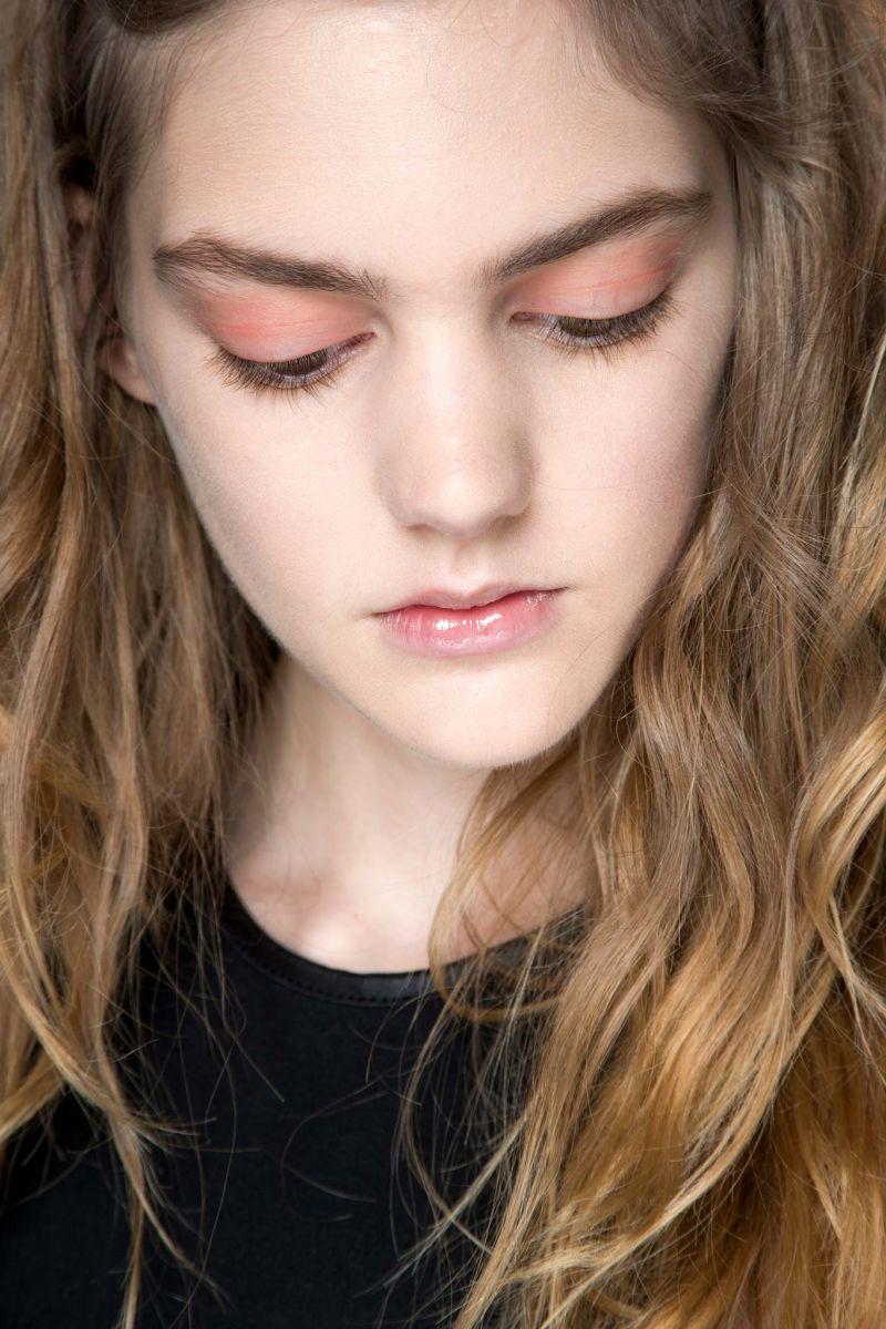 Невинная Венера: как повторить макияж с показа Dior Haute Couture осень 2015