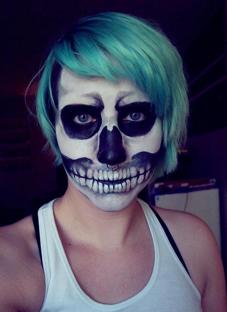 Попробуй повтори: ну очень много идей для макияжа на Хэллоуин от визажистов и обычных девушек