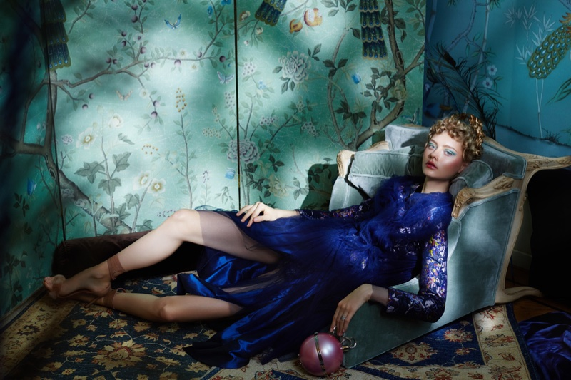Бьюти-образ дня: модель Настя Кусакина в фотосессии для ELLE Kazakhstan