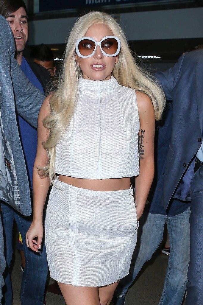 Фотофакт: Леди Гага продемонстрировала стройные ножки