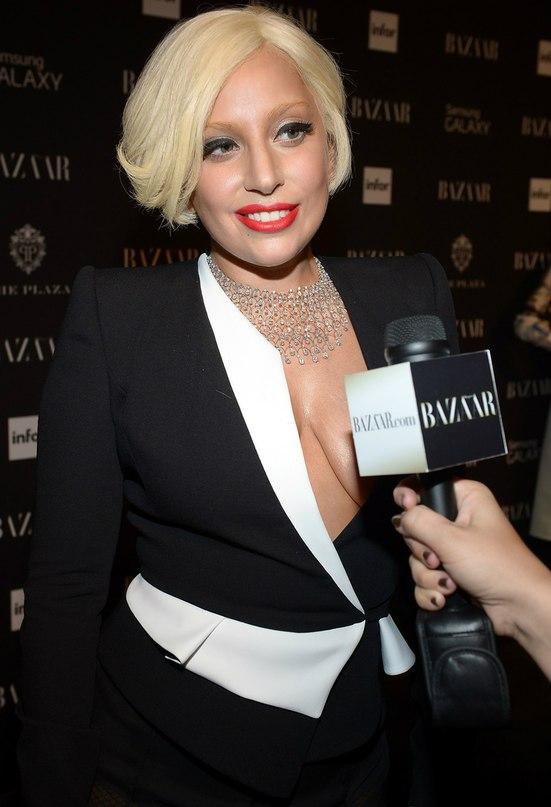 Леди Гага изменила прическу: красиво или ужасно?