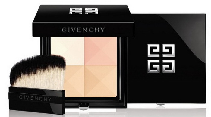 Под вуалью: обновленная, ухаживающая версия пудры Prisme Visage от Givenchy