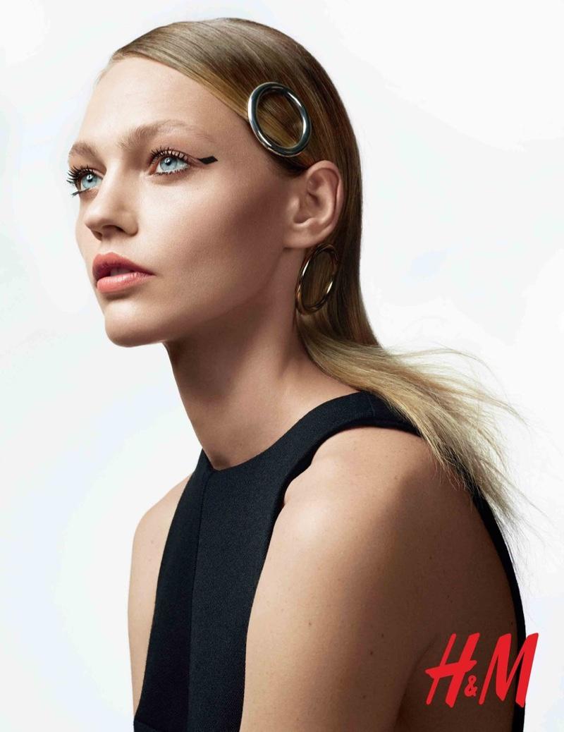 Хороша Саша, да не наша: Саша Пивоварова в рекламной кампании HМ beauty