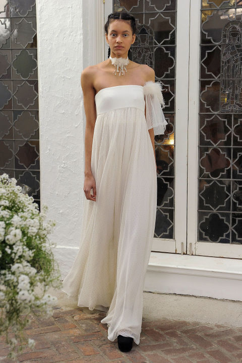 """Повод сказать """"да"""": 29 лучших подвенечных платьев для свадьбы на побережье с Bridal Fashion Week"""