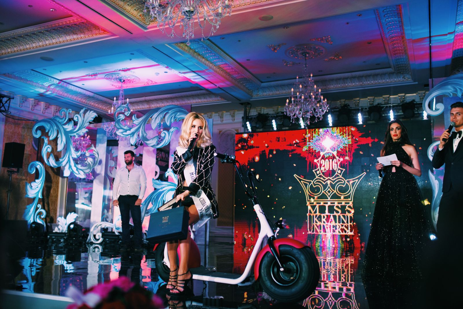 Теперь официально: LOBODA признали самой красивой певицей страны
