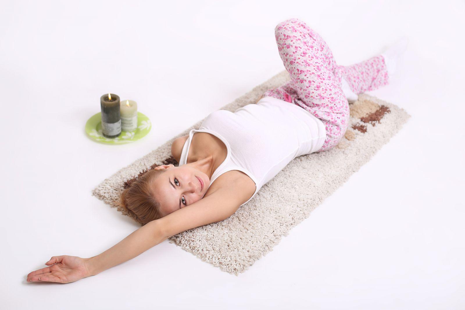 Упражнение 1: Ассиметричное растягивание мышц спины