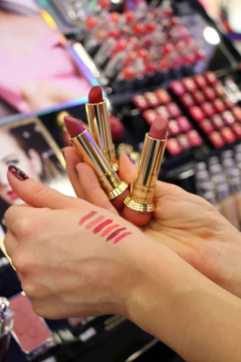 рождественская линия матовых помад Diorific lipstick