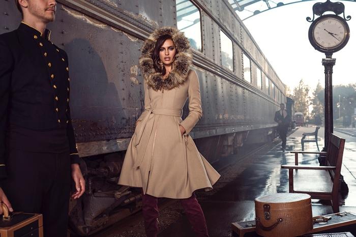 Утеплилась: Ирина Шейк демонстрирует уютные образы на осень фото