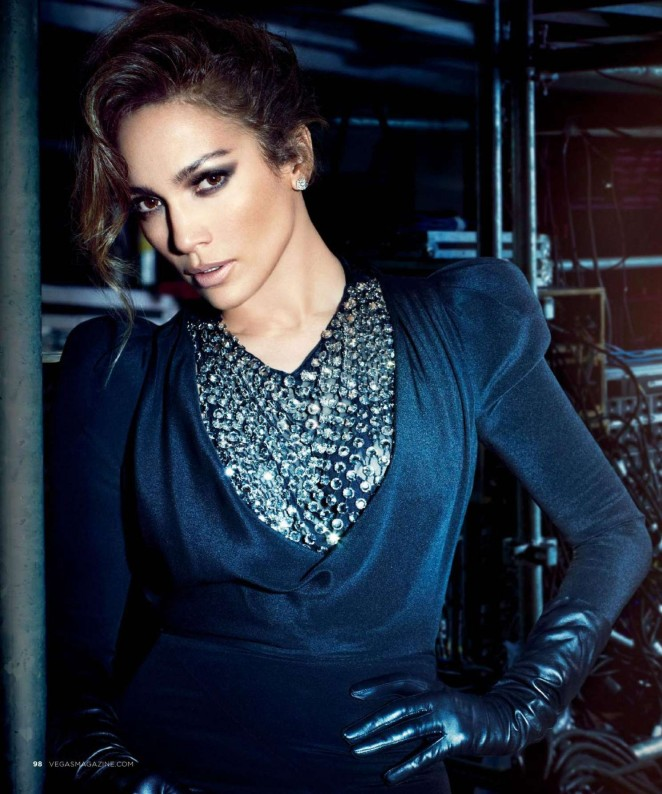 На страницах Vegas Magazine Дженнифер Лопес предстала в роковом и даже рОковом образе фото