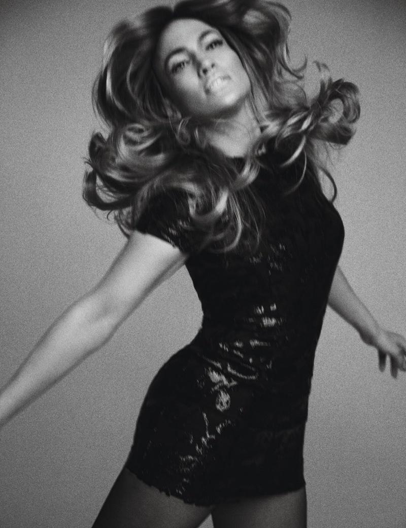 Откровенно красиво: Дженнифер Лопес в Chanel позирует для W Magazine и признается что хочет замуж