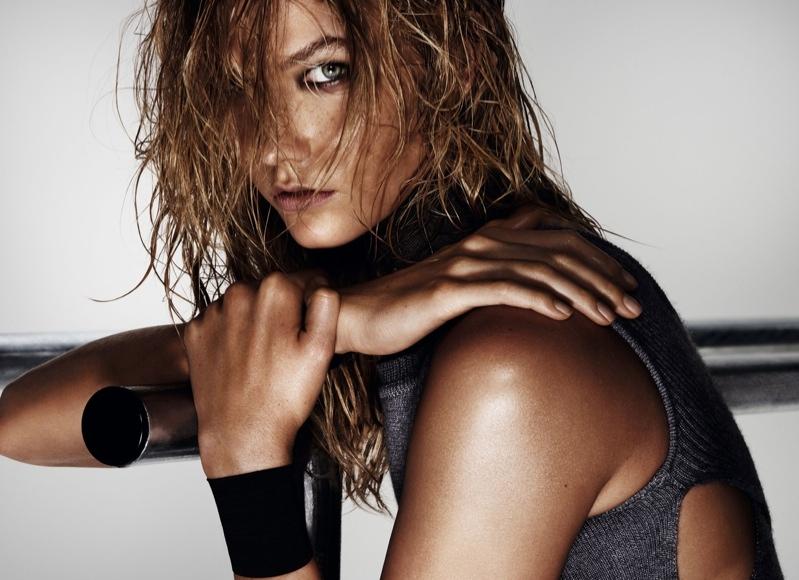 Sport chic: Карли Клосс демонстрирует стильные образы для Vogue China