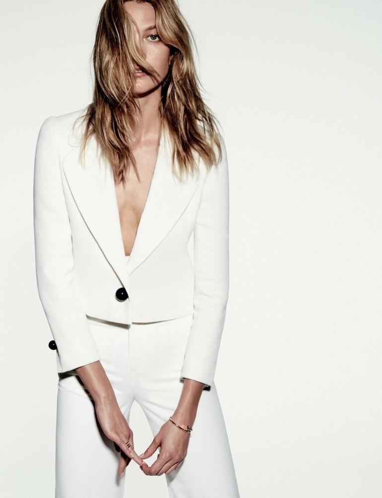 Карли Клосс блеснула естественной красотой без макияжа на обложке Библии моды (ФОТО)