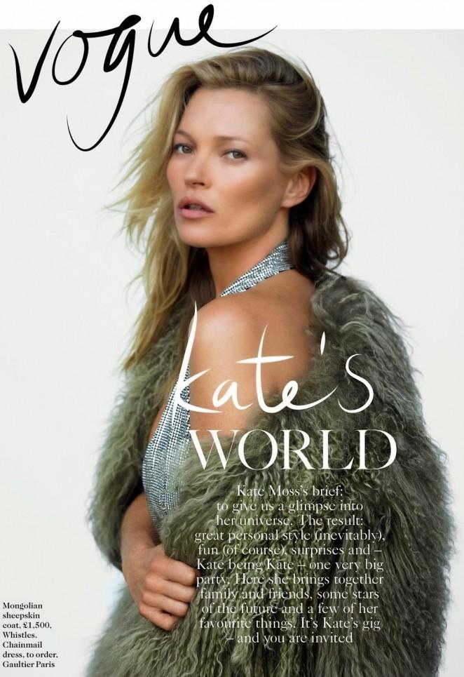 Милая киска: Кейт Мосс позирует в ажурном белье