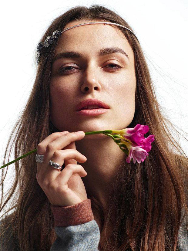 Естественная красота: Кира Найтли позирует на страницах глянца практически без макияжа фото