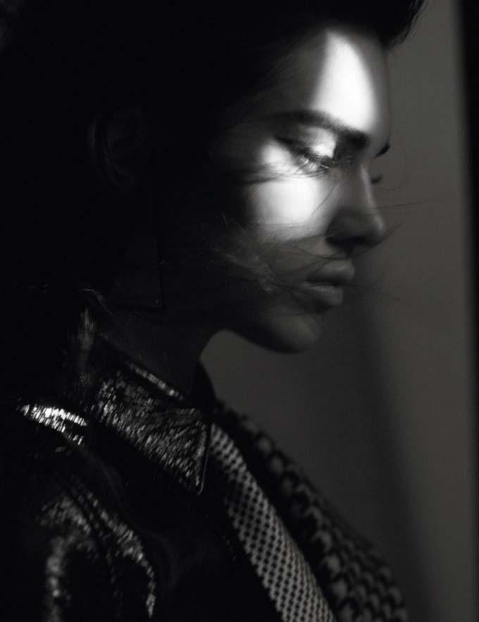 Кендалл Дженнер снова снялась для Vogue Paris