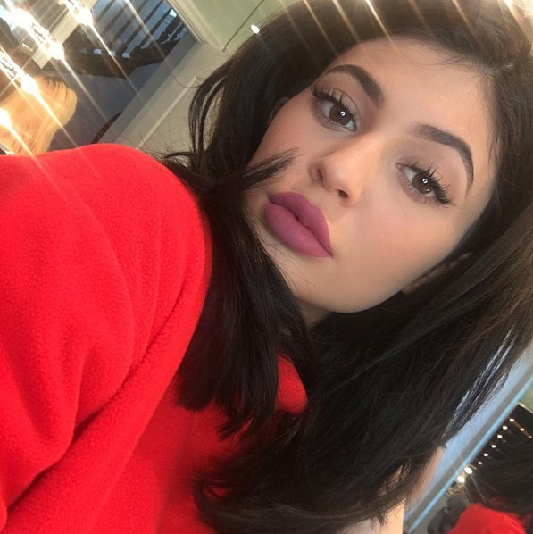 Kylie Jenner admits on Twitter to trying milk with cereal