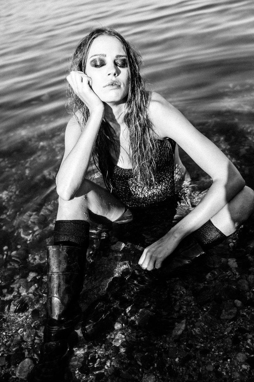 Украинская муза Valentino стала девушкой Бонда и снялась с рыбой (ФОТО)
