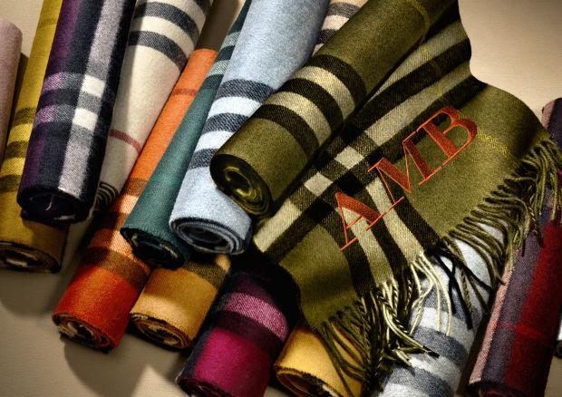 Scarf Bar: Как создать собственный дизайн шарфа для Burberry?