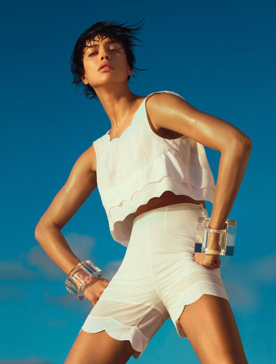 Атлетический шик: Ирина Шейк в новой фотосессии для Numero