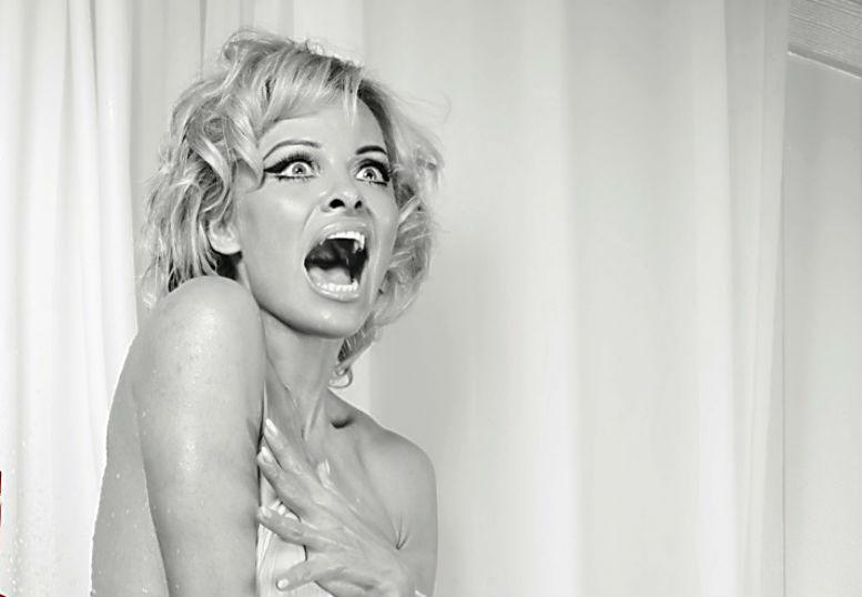 Актриса против буржуев: Памела Андерсон призвала народ отказаться от фуа-гра