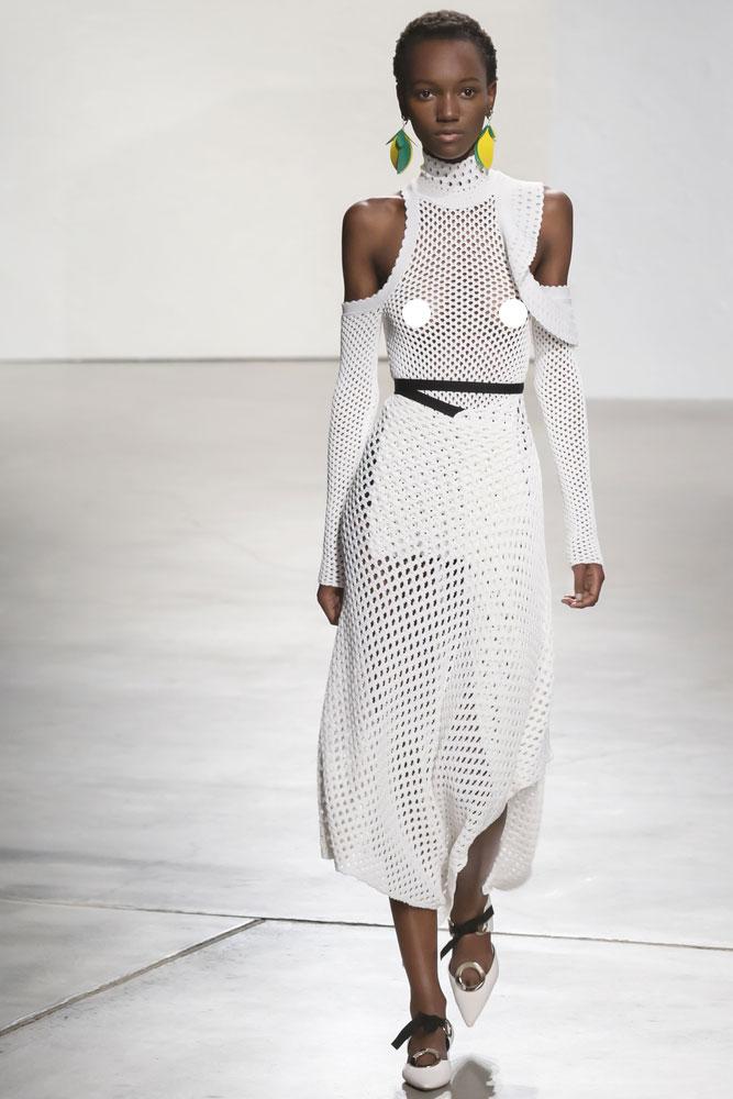 Джессика Альба щеголяет в платье Calvin Klein на страницах Vogue Австралия