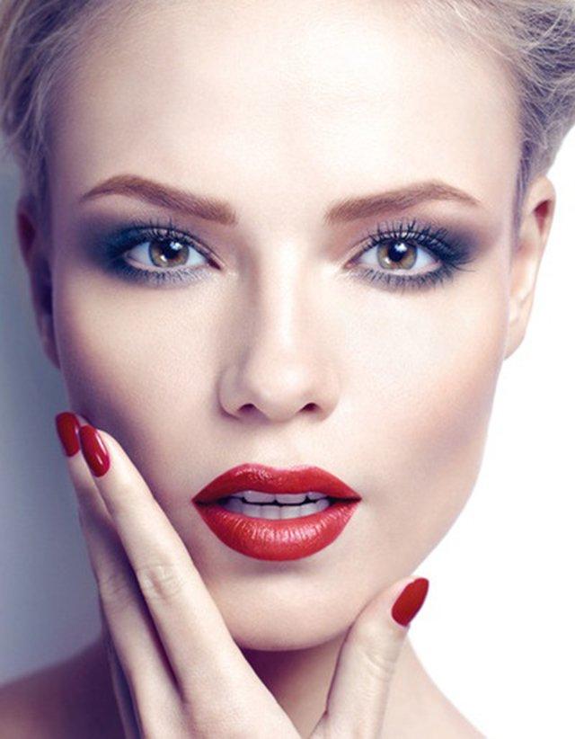 Никуда не денется: 6 шагов к стойкому макияжу