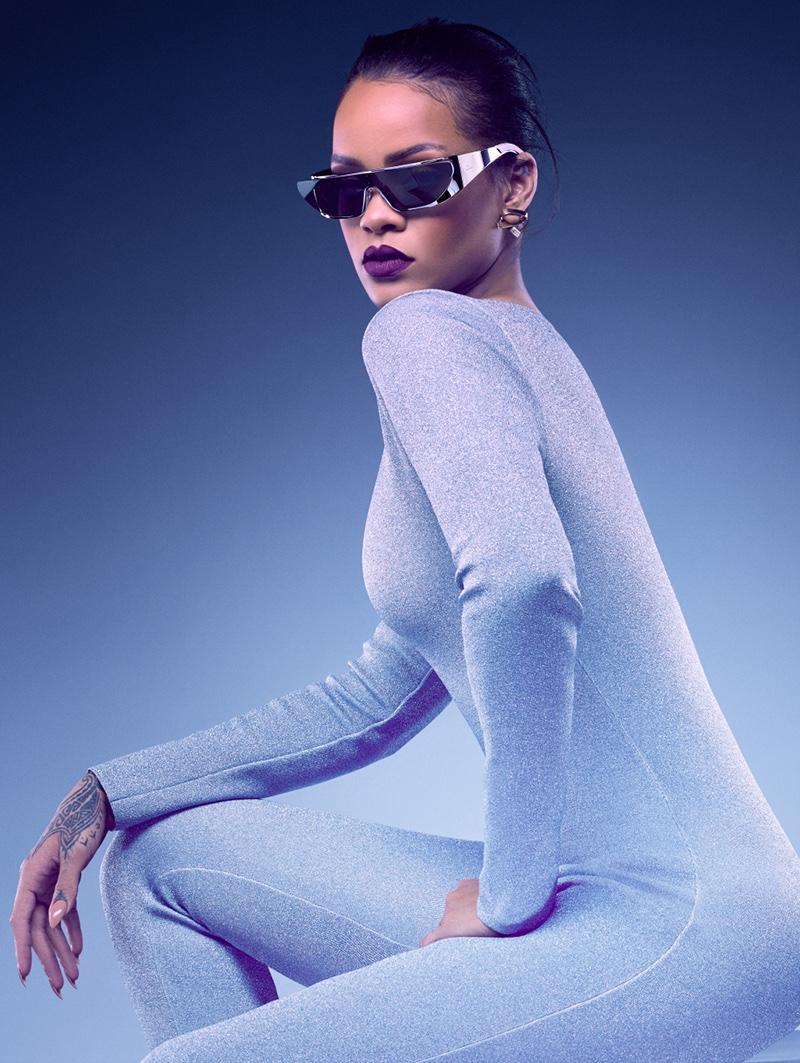 С другой планеты: Рианна создала коллекцию футуристических очков для Dior