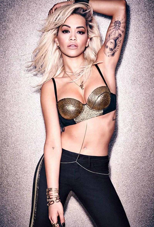 Рита Ора продемонстрировала шикарную фигуру в рекламной кампании нижнего белья