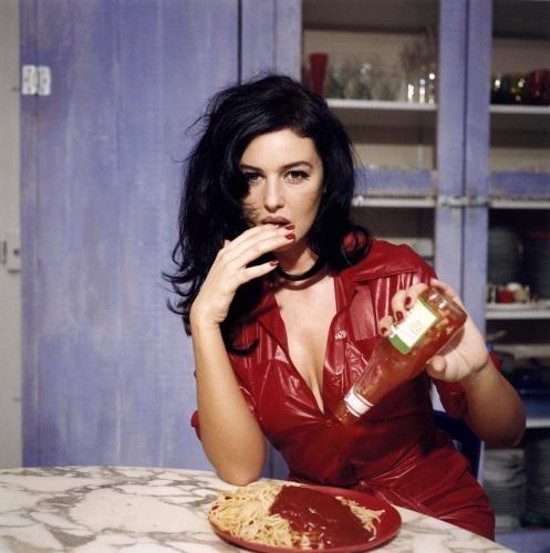 У итальянских женщин в такой вечер все должно быть идеально