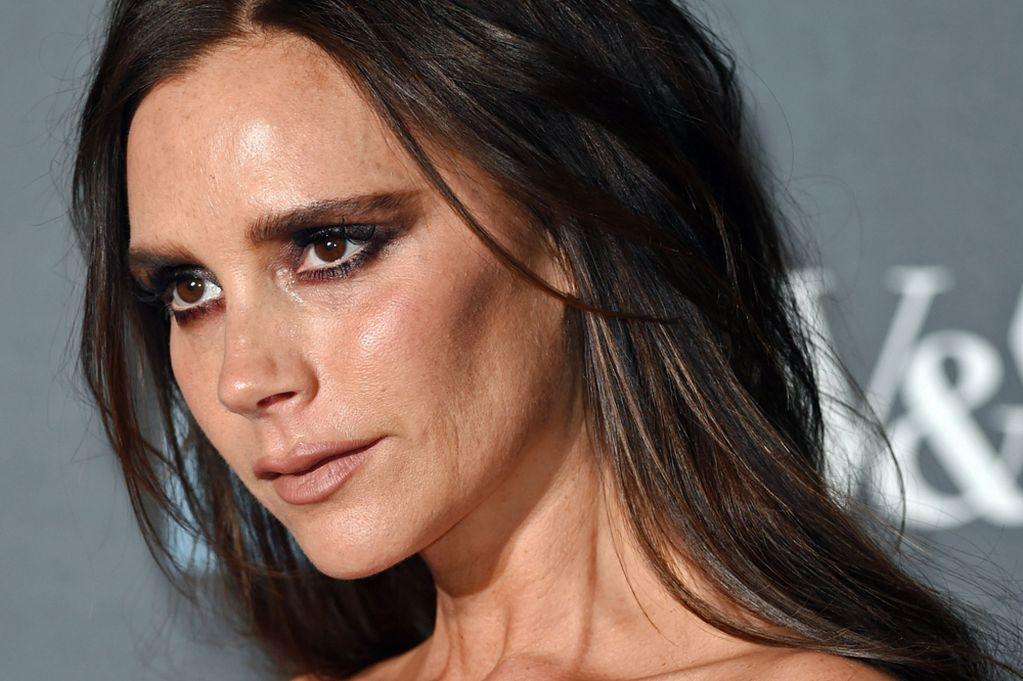 Какие ошибки в макияже совершает Виктория Бекхэм?