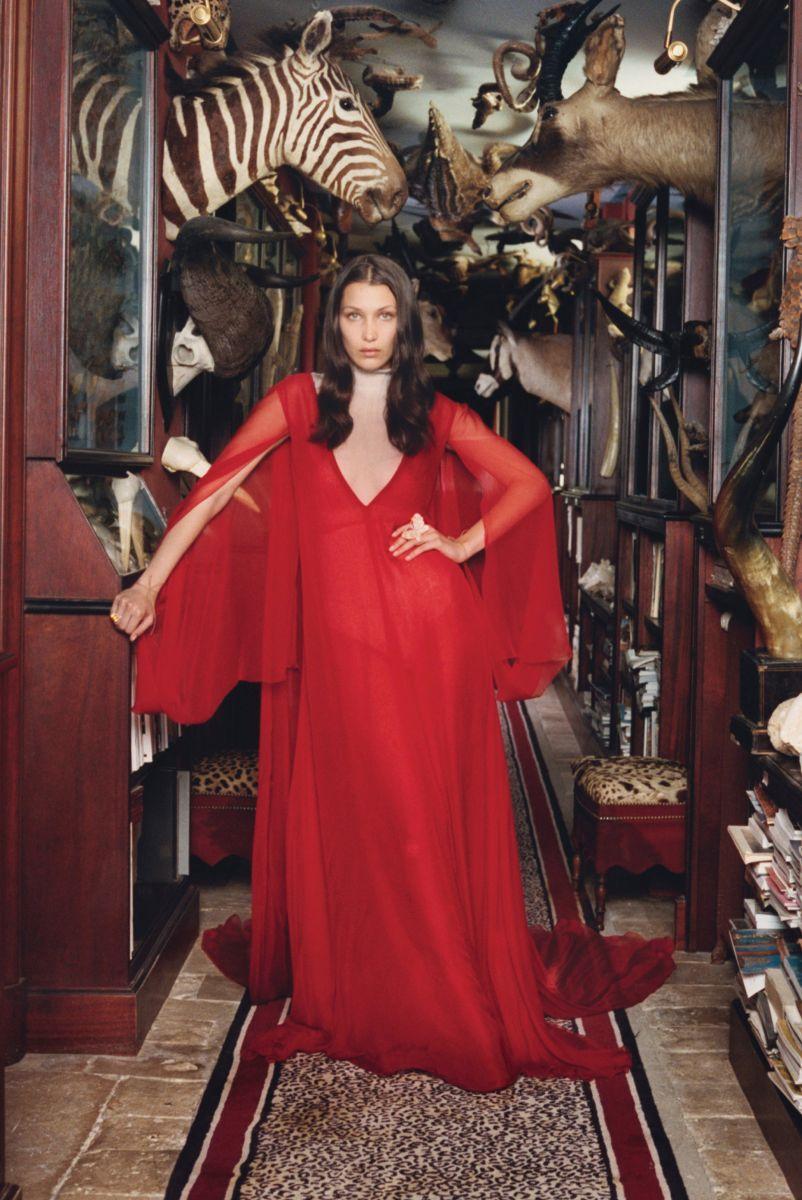 Белла Хадид снялась в откровенной ретро-фотосессии (ФОТО)