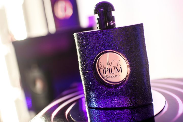 Новая страсть, новый опиум: YSL представили новый аромат Black Opium Eau De Toilette