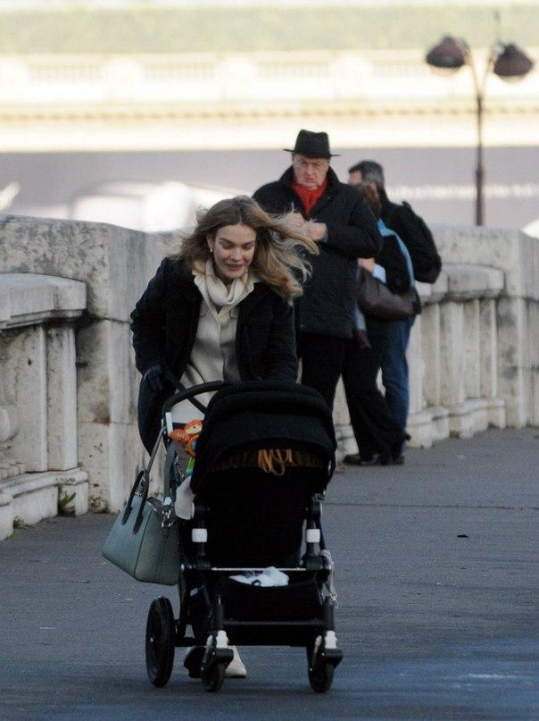 Русская  красавица Наталья Водянова шокировала лицом без макияжа