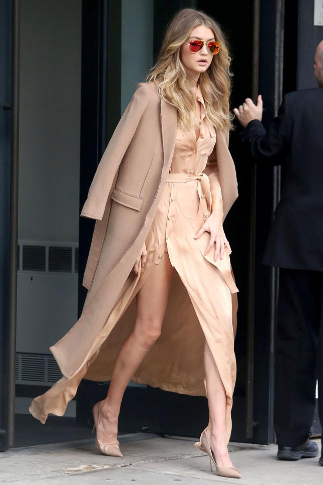 Образ дня: Джиджи Хадид в пальто Topshop Boutique в Нью-Йорке