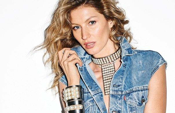Lady in Jeans: Жизель Бундхен блистает в новой фотосессии