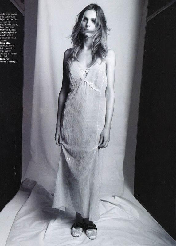 А был ли мальчик: Андреа Пежич снялась в первой модной фотосессии после смены пола