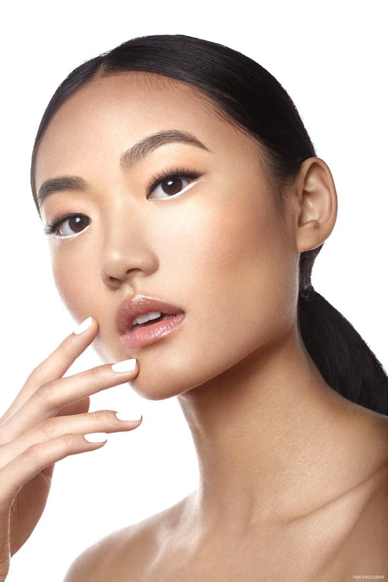 Wear White: варианты использования белого оттенка в вашем макияже