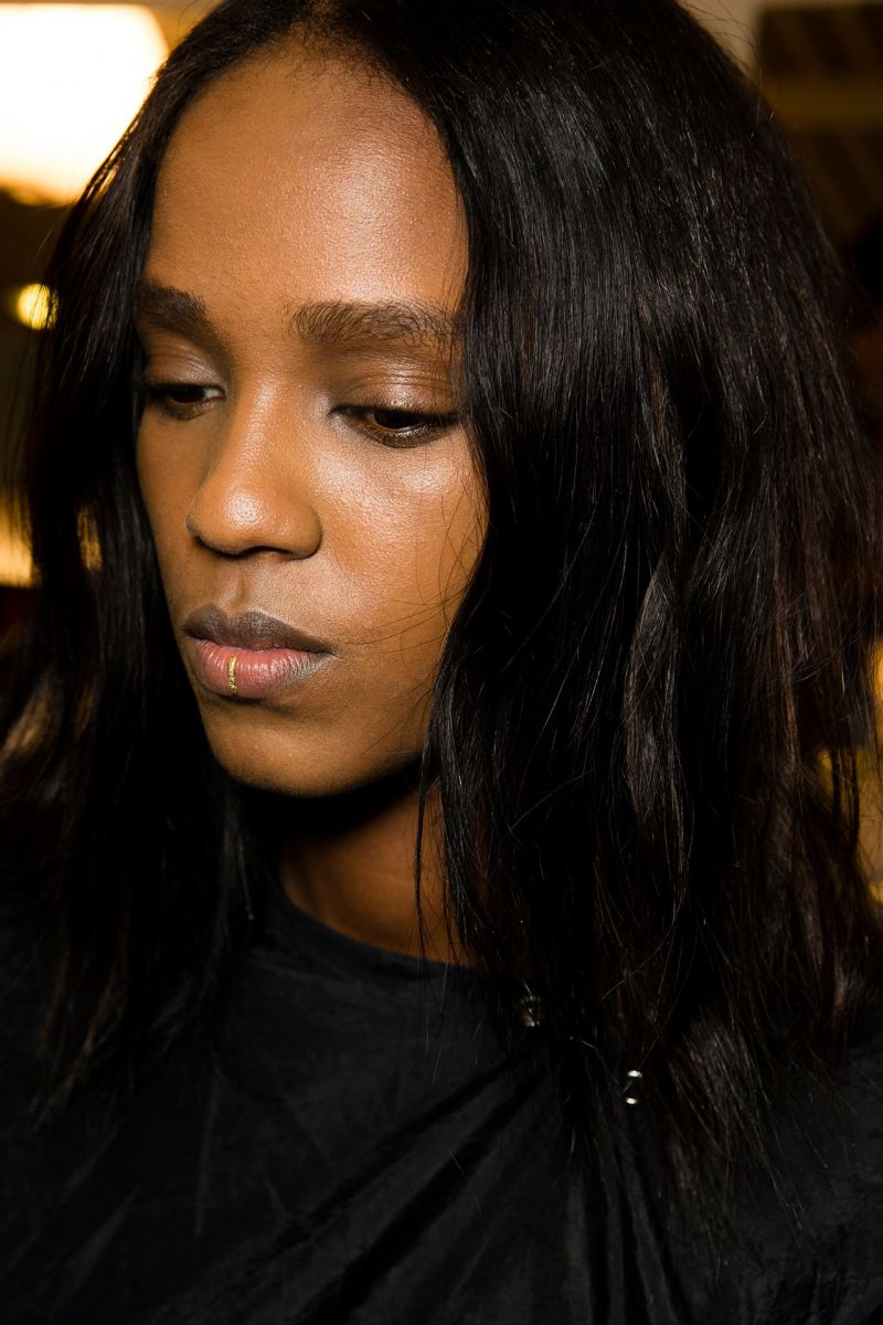 Золотые татуировки на губах - новый тренд из Парижа
