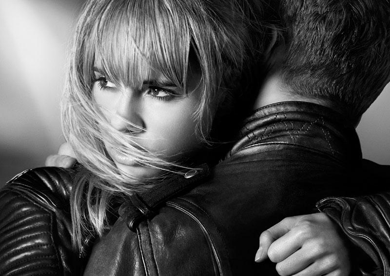 Подружка Брэдли: Сьюки Уотерхаус блистает в рекламе аромата Burberry
