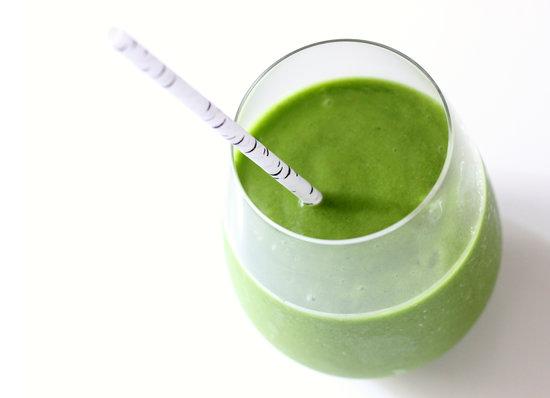 Молодо-зелено: три рецепта зеленых смузи, которые помогут тебе придти в форму перед летом