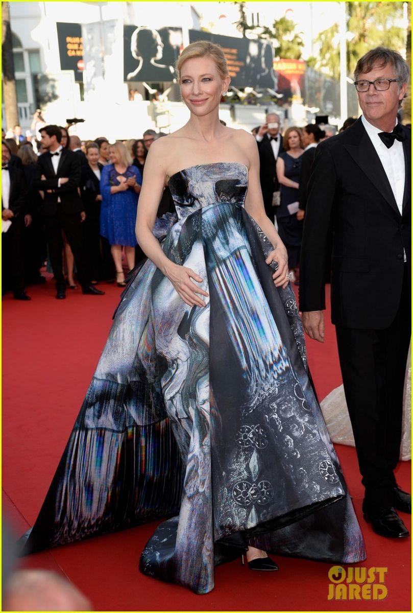 Королевский выход: Кейт Бланшетт блистает на красной дорожке в Каннах