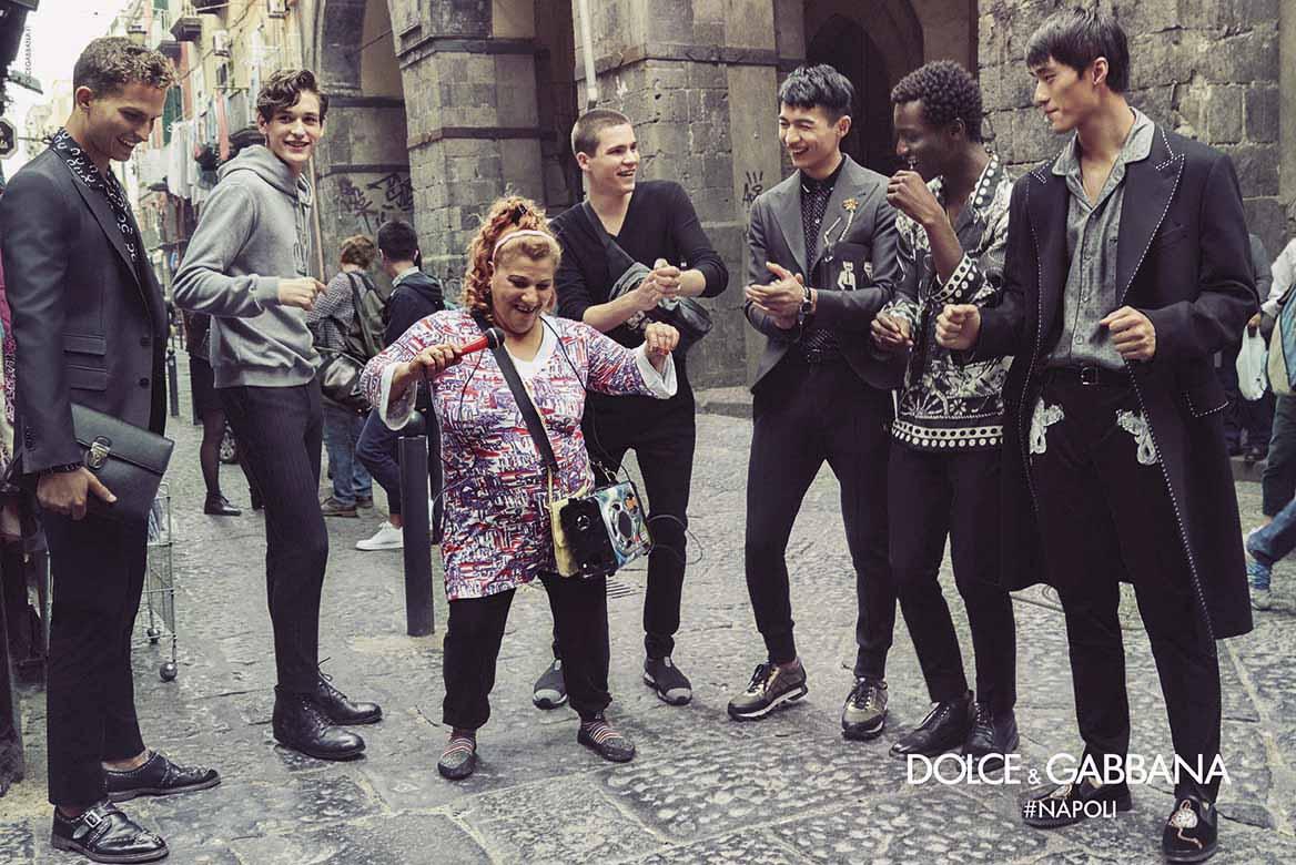 Знакомьтесь, Неаполь: обычные горожане в новой съемке Dolce and Gabbana