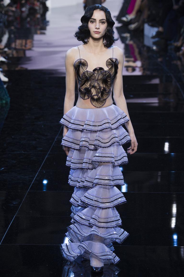 Птица цвета ультрамарин: показ коллекции Armani Prive Haute Couture весна 2016